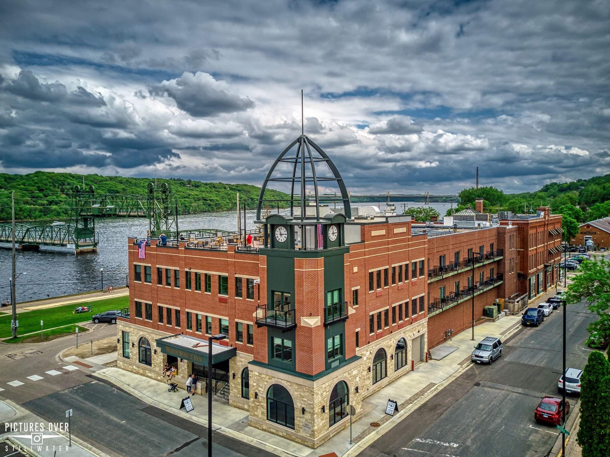 Our Stillwater MN Hotel offers unmatched river views.